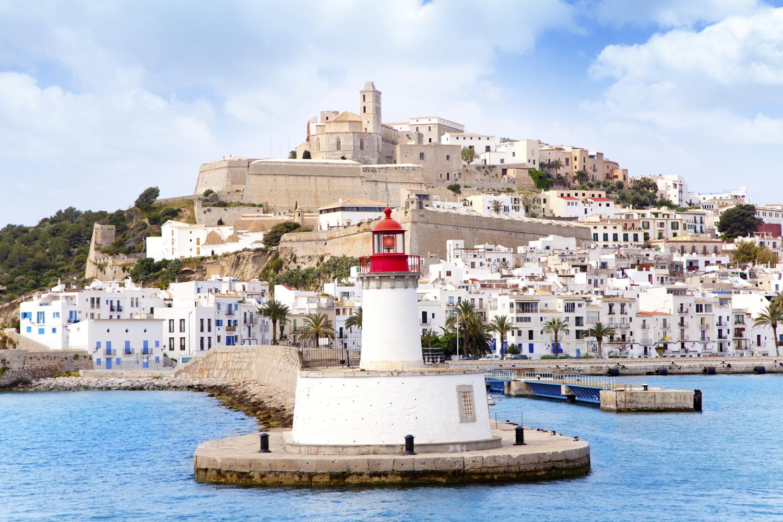 Путешествие по Европе: Генуя, Марсель, Ибица, Барселона - Туристический оператор APL Travel (АПЛ Тревел)