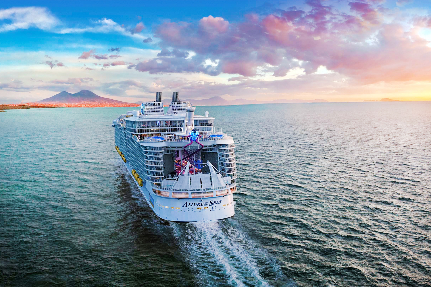 Тур с круизом на Allure Of The Seas 5*: Барселона, Пальма-де-Майорка, Марсель, Рим, Неаполь - Туристический оператор APL Travel (АПЛ Тревел)