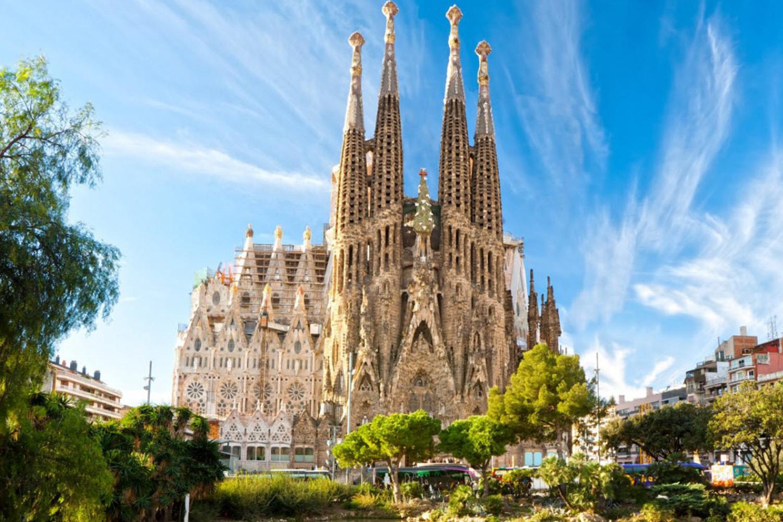 Тур с круизом на Costa Fortuna 4*: Барселона, Лиссабон, Виго, Шербур, Гамбург, Амстердам - Туристический оператор APL Travel (АПЛ Тревел)