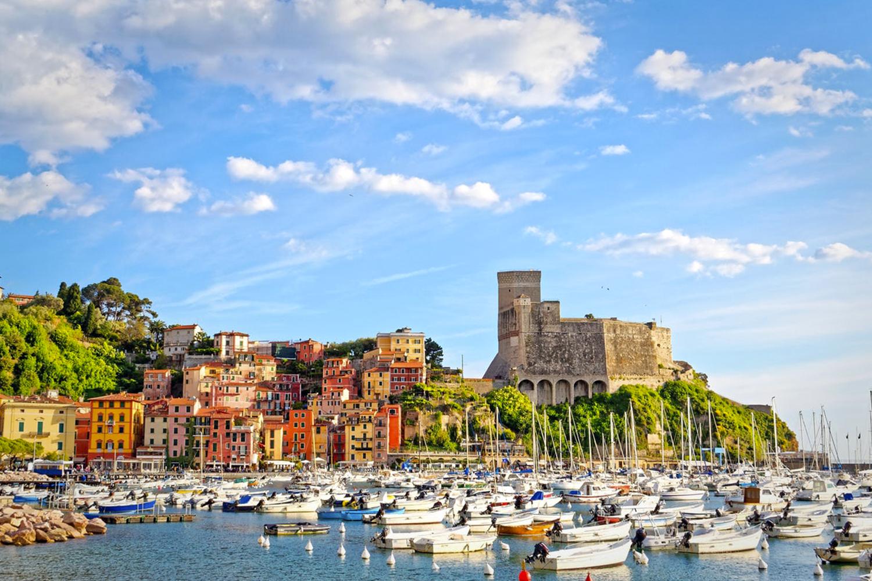 Тур с круизом на Costa Smeralda 5*: Марсель, Барселона, о.Майорка, Савона, Рим! - Туристический оператор APL Travel (АПЛ Тревел)